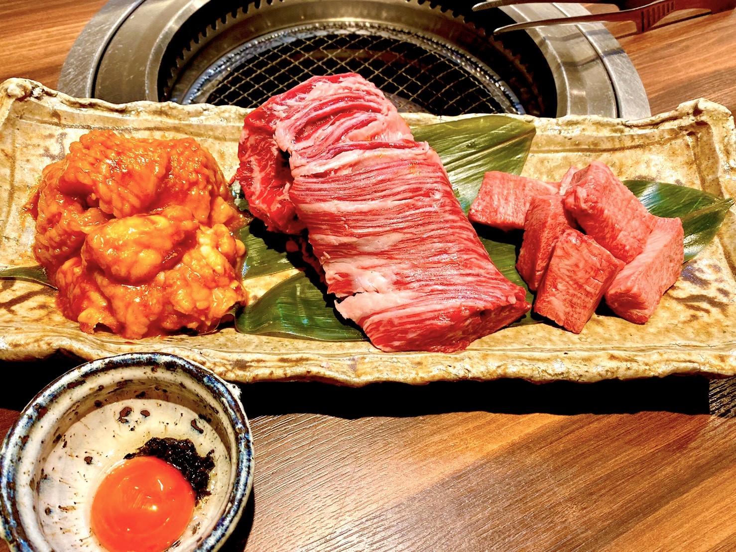 黒毛和牛幻のはらみ焼肉セット ¥9,000(税込)